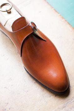 TYE - Single monk in cognac calf and a 18K WG original buckle - very clean lines