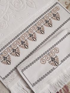 Needlepoint, Hand Embroidery, Cross Stitch, Knitting, How To Make, Easy Cross Stitch, Cross Stitch Art, Crochet Cross, Face Towel