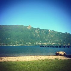 Un matin au lac en Rhône-Alpes. www.mymagicmap.com