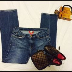 Lucky Jeans size 30 Size 10 Excellent Condition Lucky Jeans Size 10/30 Regular Inseam Lucky Brand Jeans Boot Cut