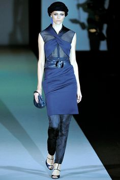 Giorgio Armani Spring 2011 Ready-to-Wear Collection Photos - Vogue