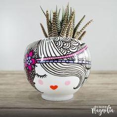 18 Ideas succulent painting ceramic for 2019 Painted Plant Pots, Painted Flower Pots, Flower Pot Crafts, Clay Pot Crafts, Pottery Painting Designs, Paint Designs, Porcelain Ceramics, Ceramic Pottery, Fine Porcelain