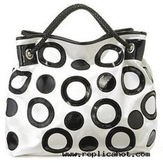 love the black and white combo, I want this purse