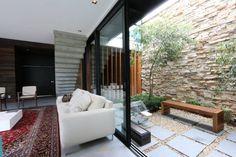 Jardin d'hiver de style translation missing: fr.style.jardin-d-hiver.minimaliste par ZaaV Arquitetura