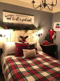 Cozy Christmas Bedroom Decor Ideas for the Holidays - Cozy . Cozy Christmas Bedroom Decor Ideas for the Holidays - Cozy . - Cozy Christmas Bedroom Decor Ideas for the Holidays - C. Farmhouse Christmas Decor, Cozy Christmas, Farmhouse Decor, Farmhouse Design, Cabin Christmas Decor, Modern Farmhouse, Christmas 2019, Christmas Holidays, Country Farmhouse