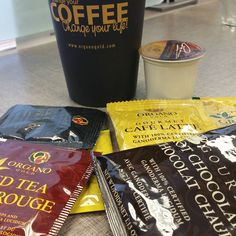 Take your pick ¿Cual es tu favorito?  #organogold #caféOG #instacoffee #OGcoffee #ogtea Chocolate Lovers, Hot Chocolate, Cafe O, Coffee Break, Beverages, Good Food, Tea, Instagram Posts, Gourmet Cafe