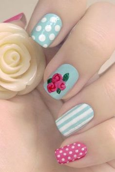 Vintage nails with polka dots, roses and striples - 30 Best polka dots nail art ideas