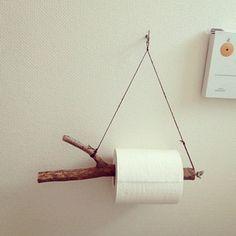 树枝变身纸巾筒,简约的生态主义。