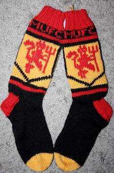 Knitting Socks, Manchester United, Arsenal, Spiderman, Knitting Patterns, Knit Crochet, About Me Blog, The Unit, Crocheting