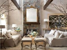 Arredare una casa con i soffitti alti - Travi e rivestimento in pietra