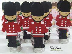 fun-ideas handmade: Bailarina x Soldadinho de Chumbo Paper Punch Art, Punch Art Cards, Christmas Punch, Kids Christmas, Arte Punch, Nutcracker Decor, Fun Crafts, Paper Crafts, Girls Party Decorations