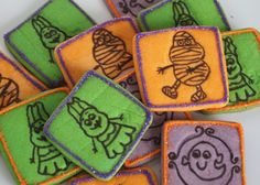 Halloween Stamp Cookies: Sugar cookies made from an inexpensive Michael's stamp and an edible marker! Healthy Cooking, Cooking Recipes, Cookie Tutorials, Decorated Cookies, Cookie Decorating, Sugar Cookies, Marker, Stamping, Halloween