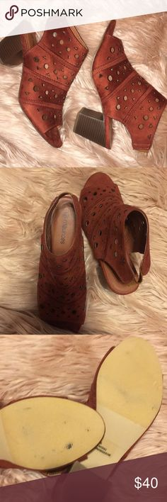 Rust Ankle Booties Adorable in great condition {tags: booties, sports bra , adidas , tassel earrings , graphic tee , sandals , swimsuit , bikini, Patagonia , Ugg , Free People, Brandy Melville, Anthropologie, Steve Madden , prom , heels , formal , platform , dress , lululemon , Nike } Maurices Shoes Ankle Boots & Booties
