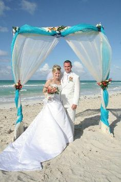 Beautiful arch at a beach wedding. If you want the best officiant for your Outer Banks, NC, ceremony, contact Rev. Barbara Mulford: myobxofficiant.com/