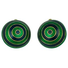 Preowned Ciner Domed Enamel Target Earrings (780 RON) ❤ liked on Polyvore featuring jewelry, earrings, black, clip earrings, 80s earrings, pre owned jewelry, enamel jewelry and circle jewelry