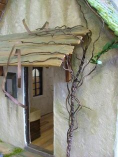 How to Make a Miniature Wisteria Vine for the Doll House | Features | Collectors Club of Great Britain