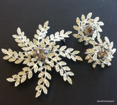 Signed SARAH COVentry Vintage Set Brooch Pin Earring Flower Rhinestone Demi! 433