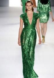 If were thin, tall, and could pull of this color I would wear this dress everyday! Love Elie Saab!!