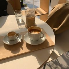 Photo shared by 【 Cat Cafe 】 on March 2020 tagging .You can find Coffee art and more on our website.Photo shared by 【 Cat Cafe 】 on March 2020 tagging . Cream Aesthetic, Aesthetic Coffee, Brown Aesthetic, Aesthetic Food, Aesthetic Fashion, Retro Aesthetic, Aesthetic Design, Images Esthétiques, Think Food