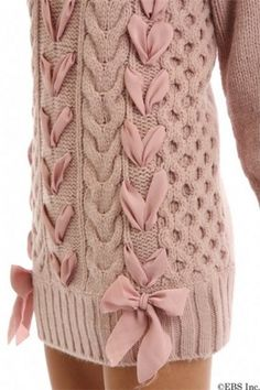 Hobby diary: Knit sweater trim with ribbon Knitting Blogs, Lace Knitting, Knitting Designs, Knitting Needles, Crochet Blouse, Knit Dress, Knit Crochet, Knit Fashion, Sweater Fashion