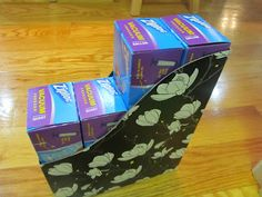 Kitchen organizing - use magazine holders to store ziploc bags