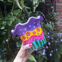 Painted Plant Pots, Painted Flower Pots, Pottery Painting Designs, Paint Designs, Clay Pot Crafts, Diy And Crafts, Arte Pallet, Buddha Canvas, Flower Pot Design
