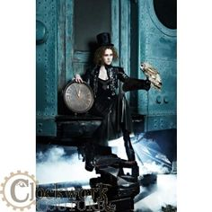 Brittany of Americas Next Top Model Cycle 19 Steampunk shoot