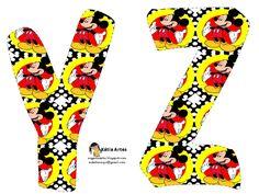 Alfabeto de Mickey sobre fondo con lunares. | Oh my Alfabetos!