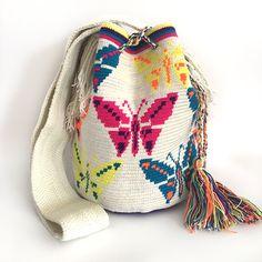 哥仑比亚WAYUU部落手工编织包 特殊款 蝴蝶图案 双股大号 现货 Crochet Home, Knit Crochet, Tapestry Crochet Patterns, Cute Sleepwear, Tapestry Bag, Denim Ideas, Macrame Bag, Boho Bags, Crochet Handbags