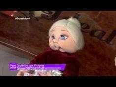 Ilustracion y Paso a Paso para Hacer Gorditos Navideños - Hogar Tv por Juan Gonzalo Angel - YouTube Doll Patterns, Crochet Patterns, Nylons, Doll Maker, Youtube, Soft Dolls, Soft Sculpture, Victoria, Felt Ornaments