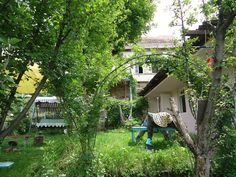 http://h.priceline.com/hotel/am/sweet-home.ru.html?aid=939898;label=otapcln-hotel-1461016_lang-ru_curr-AMD_clkid-659927648;sid=a7904b8d5ac3a15a8271b2401fad5a86;all_sr_blocks=146101621_100604677_1_2_0;checkin=2017-05-04;checkout=2017-05-05;dest_id=-2324702;dest_type=city;dist=0;group_adults=1;group_children=0;highlighted_blocks=146101621_100604677_1_2_0;hpos=4;no_rooms=1;room1=A;sb_price_type=total;srfid=a34fe52a390c7dd0af7b6ccb81f7b9728e087892X4;type=total;ucfs=1&#hotelTmpl