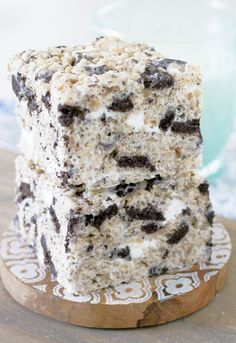 Oreo Krispies take a classic and kick it up with the addition of crushed Oreo cookies.  This is a basic recipe that my kids beg for. It's tenminutes of effort. These Oreo Krispies don't really seem homemade because of the help they get from the cereal and cookie aisle. But trust me, they taste...