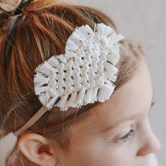 Macrame Wall Hanging Diy, Macrame Art, Macrame Design, Macrame Knots, Macrame Headband, Macrame Earrings, Headband Tutorial, Diy Headband, Handmade Headbands