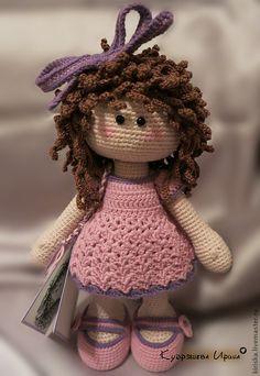 Купить или заказать Вязанная девочка Бусинка. в интернет-магазине на Ярмарке Мастеров. Вязанная девочка - Бусинка. Самостоятельно стоит и сидит. С шикарной шевелюрой :) всегда о такой мечтала…