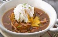 Les oeufs meurette sont une spécialité bourguignonne. Découvrez sans attendre cette délicieuse recette traditionnelle.
