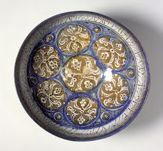 Bowl Iran, Kashan, late 12th or early 13th century Ceramics Fritware, underglaze and overglaze luster-painted