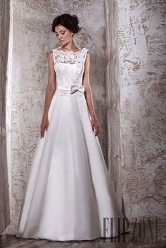 Tony Ward 2012 collection - Bridal - http://www.flip-zone.com/fashion/bridal/the-bride/tony-ward