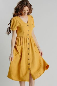 Shop the Mae Button Dress – boutique clothing featuring fresh, feminine and affo… Shop the Mae Button Dress – Boutique-Kleidung mit frischen, femininen und erschwinglichen Styles. Next Dresses, Cute Dresses, Beautiful Dresses, Casual Dresses, Fashion Dresses, Dresses For Work, Summer Dresses, Formal Dresses, Elegant Dresses