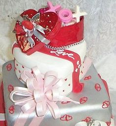 What a pretty cake