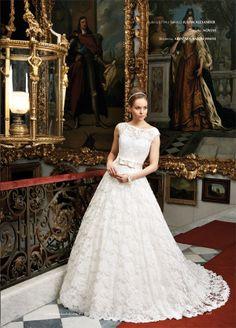 Beautiful 1950's inspired lace wedding dress