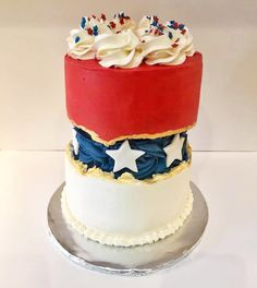 Red White and Blue Patriotic Fault Line Cake | 15  Fault Line Cakes that WOW! Click over to Rose Bakes to see several designs of the trendy Fault Line Cakes that are so popular right now! #faultline #faultlinecakes #cake #faultlinecake #birthday #cakes #birthdaycakes #starsandstripes #redwhiteandblue #july4th #4thofjuly