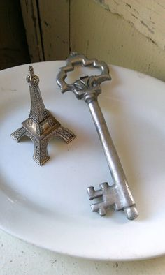 Large Decorative Skeleton Key by shabbychatue on Etsy, $8.00