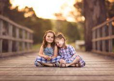 Children photography ideas. Yarra Valley. Best friends. Bridge. Sentimental