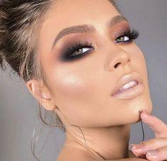 Black Smokey Eye Makeup, Grey Smokey Eye, Makeup For Green Eyes, Daytime Smokey Eye, Daily Eye Makeup, Eye Makeup Steps, Makeup Eye Looks, Nude Makeup, Glam Makeup