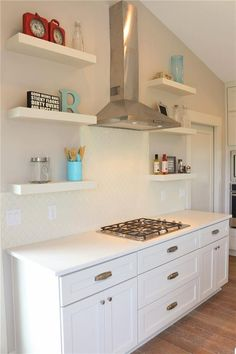 Open Shelving with stainless hood
