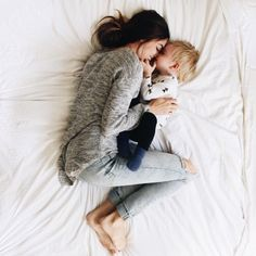 Mother & Daughter Bed Cuddles❤ #Family #Children #Kids