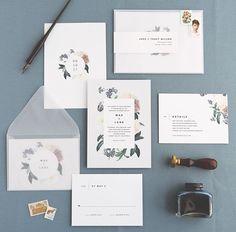 The new Mae suite ✉️ #weddinginvitation #wedding #suite #stationery #card #floral #botanical #design #rsvp #typography #vintage #modern #pastel #envelopes #vellum #stamps #rachelmarvincreative #print #press