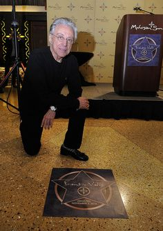 Frankie Valli of Four Seasons gets his star. Music Do, Good Music, The Jersey Boys Movie, Tommy Devito, Frankie Valli, Movies For Boys, Vinyl Junkies, Pop Bands, Cutest Animals