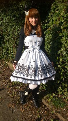 Sweet Lolita Lace and Bows exclusive print JSK/Dress Size UK 8-12 Made to Order