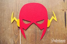 Feutre superhéros Flash Photo Prop / / le par Perfectionate sur Etsy, $15.00